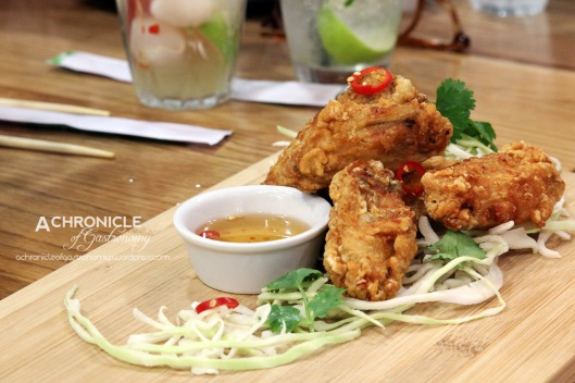 Mama's Chicken Wings w. Nuoc Cham