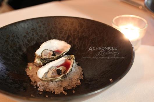 Fresh Oysters w. Vinegar and Black Caviar
