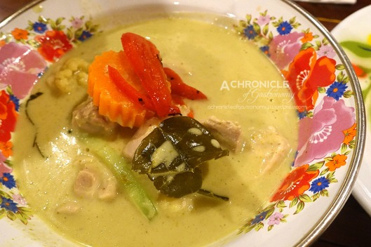 Chicken Green Curry - Fragrant Bangkok-style Curry with Boneless Chicken