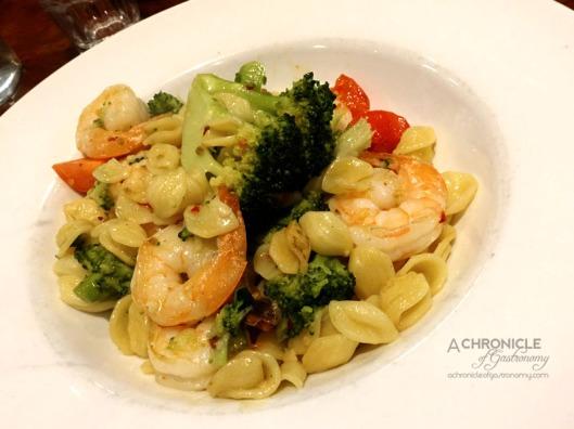 University Cafe - Orecciette con Gamberi - Prawns, Broccoli, Fresh Diced Tomato, Garlic, Olive Oil and Chilli ($22)
